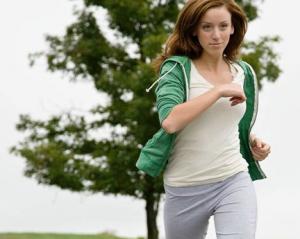 Chica haciendo footing
